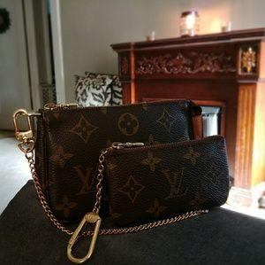 ⭐Louis Vuitton Key Pouch⭐